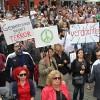 Almanya'da Müslümanlardan teröre ve şiddete protesto