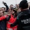 Katalonya'daki referandum girişimine müdahale