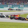 Verstappen kazandı, Hamilton arayı açtı