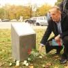 Berlin'de ırkçı cinayete kurban giden Türk genci için anıt dikildi