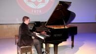 Fransız piyanistten Filistin için konser