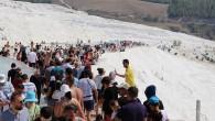 Pamukkale'yi 8 günde 104 bin kişi ziyaret etti
