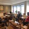 Büyükelçi Levent Gümrükçü makamını küçük Ela'ya devretti