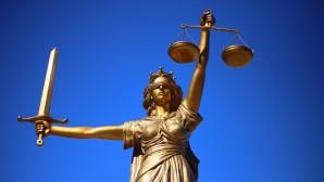 Belçika'da avukat barosundan hükümete dava
