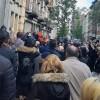 Çok sayıda veli okulun önünde tepki gösterdi