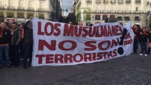 """MADRİD'İ """"MÜSLÜMANLAR TERÖRİST DEĞİLDİR"""" DİYE İNLETTİLER"""