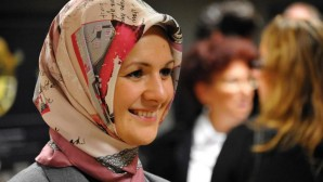 Milletvekili Mahinur Özdemir, sosyal medyada ırkçı söylemlerin cezasız kalmasını eleştirdi