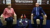 Merkel'den Türkiye'nin sığınmacı politikasına övgü
