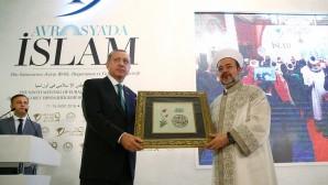 Cumhurbaşkanı Erdoğan 9. Avrasya İslam Şurası'na katıldı