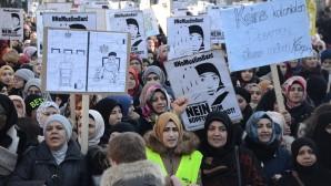 """Avusturya'da """"Başörtüme Dokunma"""" protestosu"""