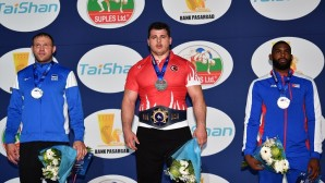 Riza Kayaalp 3. kez dünya şampiyonu