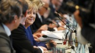 Merkel, Belçika'da ırkçılar tarafından protesto edildi