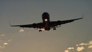 Fransa'da memur grevleri uçuşları etkileyecek