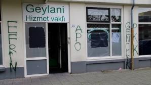 Hollanda'da PYD/PKK yandaşları camiye saldırdı