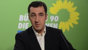 Ermenistan'dan Cem Özdemir'e Liyakat Nişanı