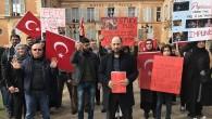 """Fransa'daki Türklerden Fransız belediyesine """"FETÖ"""" tepkisi"""