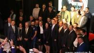 Başkan Ali Koç Brüksel'de yeni kongre üyelerine rozet taktı
