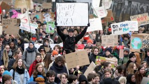 İklim politikaları Brüksel'de protesto edildi