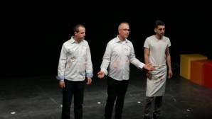 Binfikir tiyatrosu turneye Gent'te başladı
