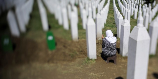 Ünlü isimler Srebrenitsa soykırımını unutmadı