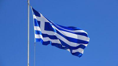 Yunanistan'ın sığınmacıları Türkiye'ye geri itme talimatları belgelendi