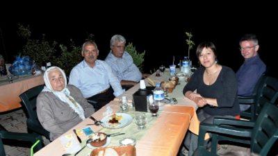 ALMACI, YAKIN AKRABALARIYLA BİRLİKTE EĞİRDİR'DE DİNLENDİ