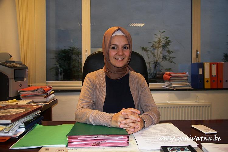 Mahinur Ozdemir 02