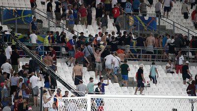 EURO 2016 İÇİN FRANSA'YA GELEN 29 RUS GERİ GÖNDERİLDİ