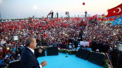 5 milyon kişi Yenikapı'da kardeşlik mesajı verdi