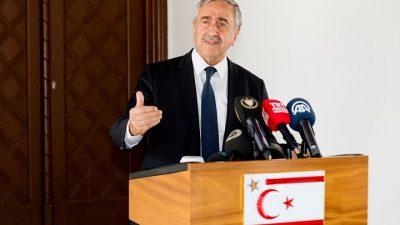 """""""Kıbrıs Türk halkı güvenliğini Türkiye'nin garantisinde görüyor"""""""