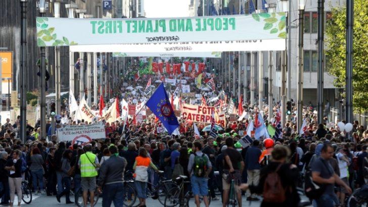 TTİP ve CETA Brüksel'de protesto edildi