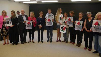 Gazze'ye Özgürlük Filosu ekibi milletvekillerinden destek istedi
