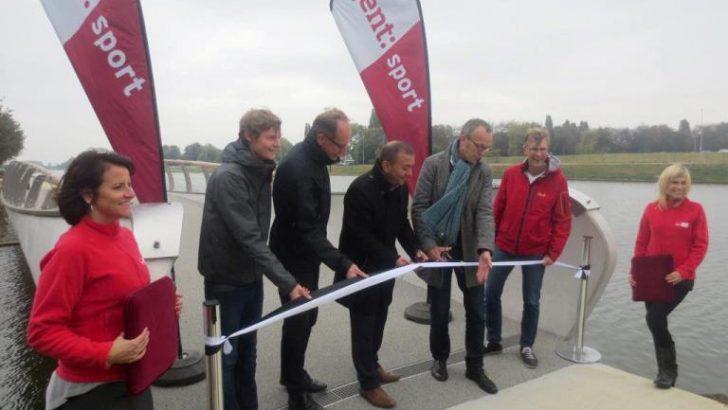 Gent'te yayalara ve bisikletlere özel köprü