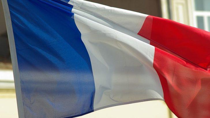 Fransa'da ırkçı lider cumhurbaşkanlığına adaylığını açıkladı