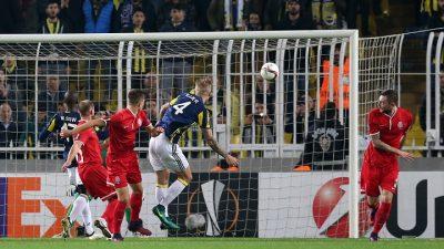 Fenerbahçe işi ikinci yarıda bitirdi