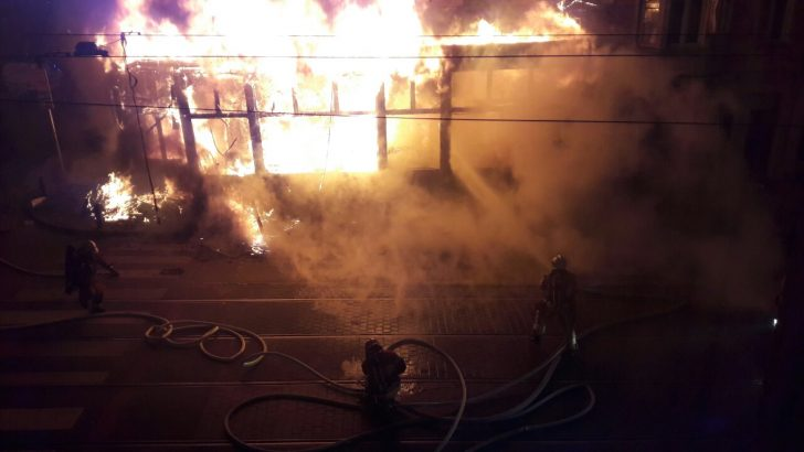 Schaerbeek'te tarihi mekan yangında kül oldu