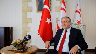 """""""Anastasiadis Rum meclisinin Enosis kararını bertaraf etmeli"""""""