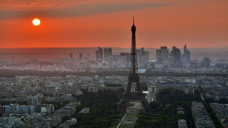 Fransa'nın bazı şehirlerine sokağa çıkma yasağı geliyor