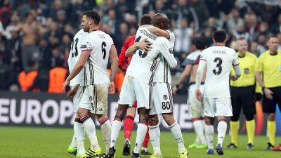 Beşiktaş sirtaki yaparak çeyrek finalde
