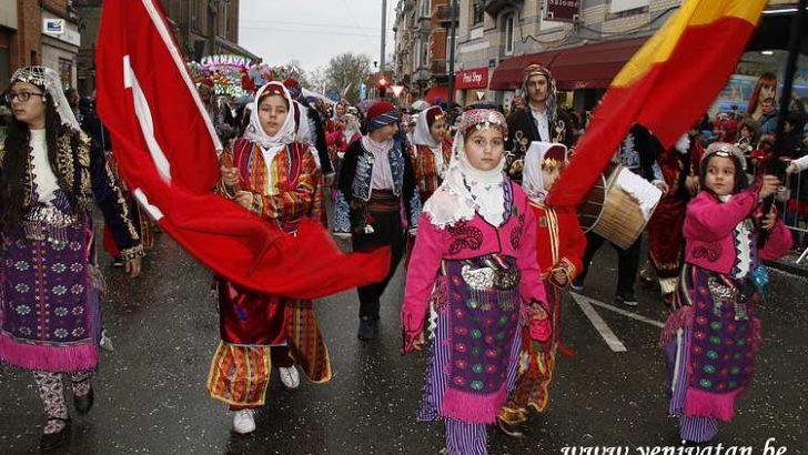 Schaerbeek'in Türk mahallesi Scharnaval ile şenlendi