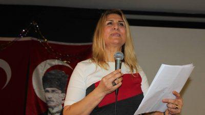 """CHP'li kadınlar Dünya Emekçi Kadınlar Günü'nde """"Hayır"""" dedi"""