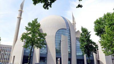 DİTİB Köln Camisi ibadete açıldı