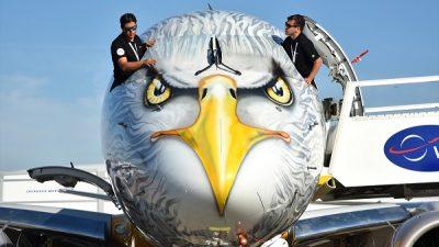 Paris'te 52. Havacılık Fuarı
