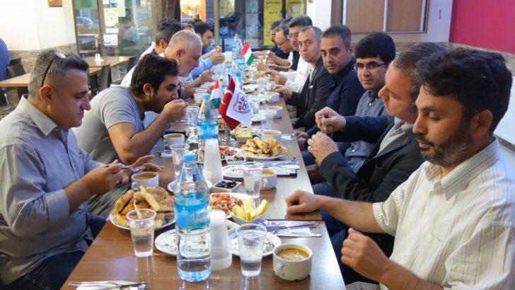 Macaristan'da Ramazan iftarı
