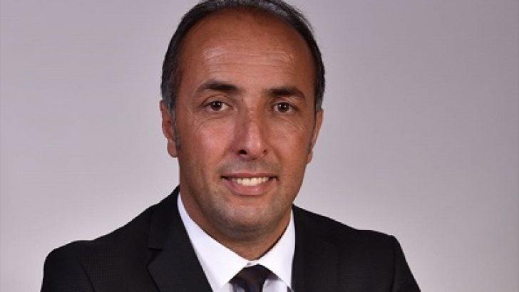 Fransa'da Türk kökenli siyasetçi belediye başkanı seçildi