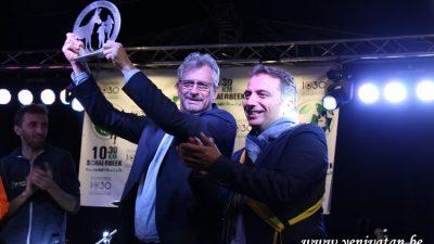 Sait Köse, dereceye giren maratoncuları ödüllendirdi