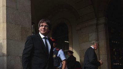 Eski Katalan lideri Puigdemont teslim oldu