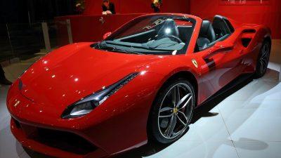 Ele geçirilen lüks araçlardan 340 bin euro elde edildi