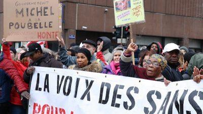 Mülteci ve Göç Bakanı Francken protesto edildi