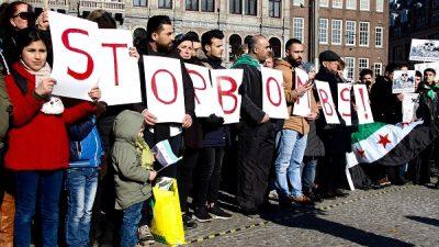 """Amsterdam'da """"Doğu Guta'da bombaları durdur"""" gösterisi"""